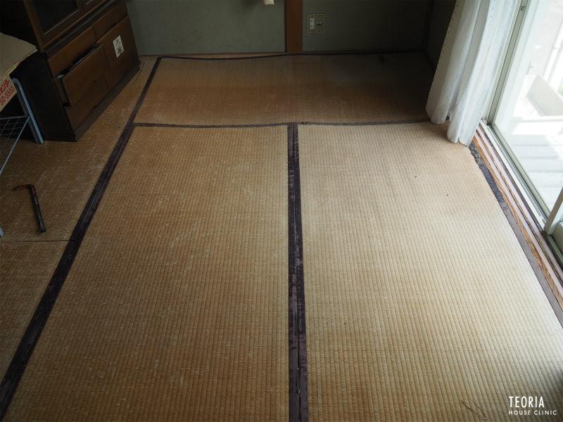 畳のたわみと歪み